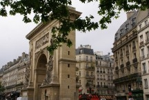 10th Arrondissement Arch at Porte St. Denis, built in 1672 to honor Louis IV victories, it was restored in 1988.