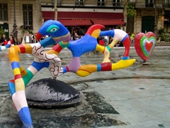 Niki De Saint Phalle sculpture in a pool near the Pompidou Center